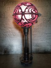 Steampunk Art floor lamp: Decorative piece of art with mexican skulls.