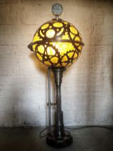 Steampunk Art floor lamp: Decorative floor lamp with gears.